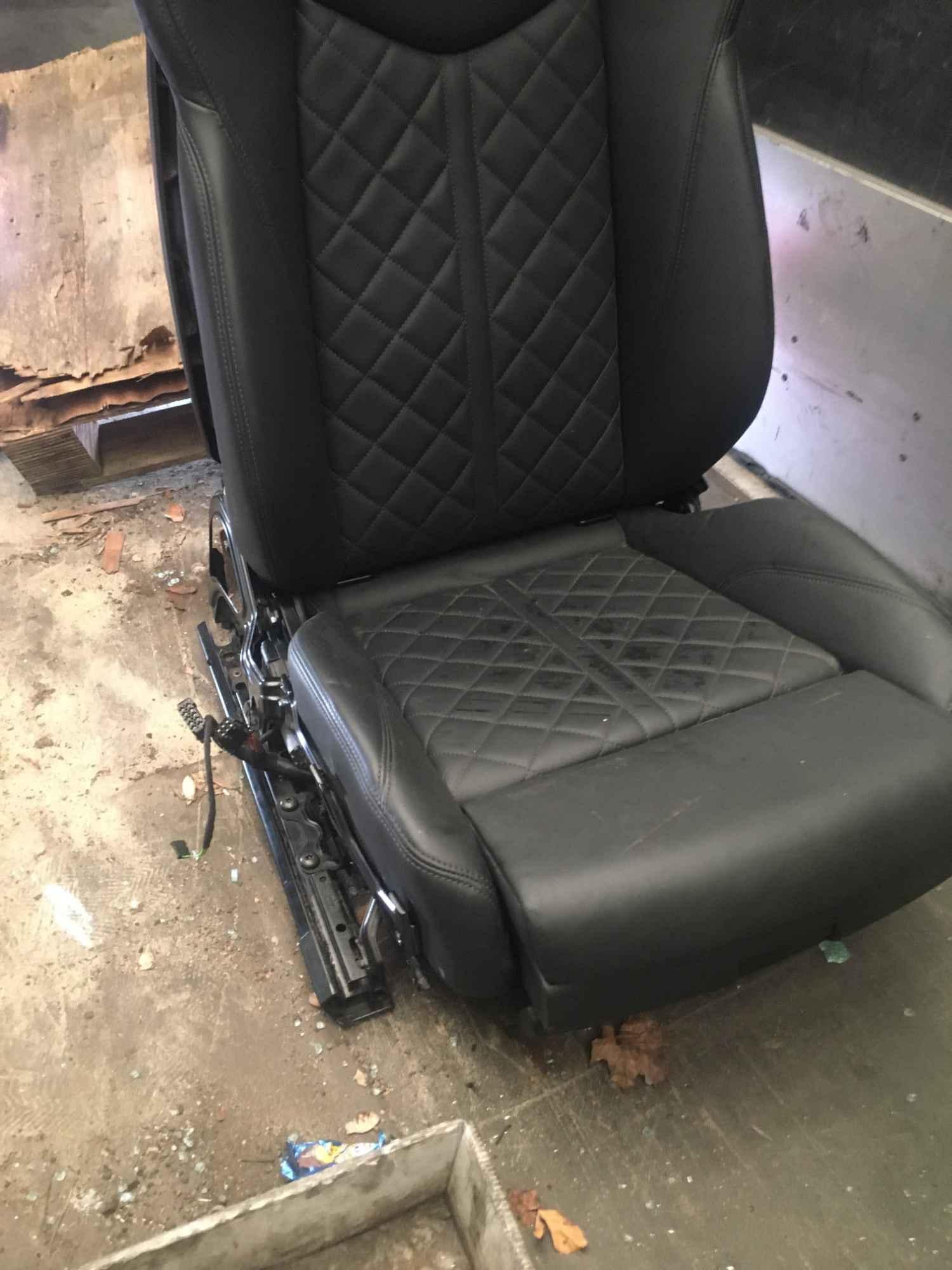 Fotele kanapy Audi TT RS TTS 8S Bałuty - zdjęcie 6