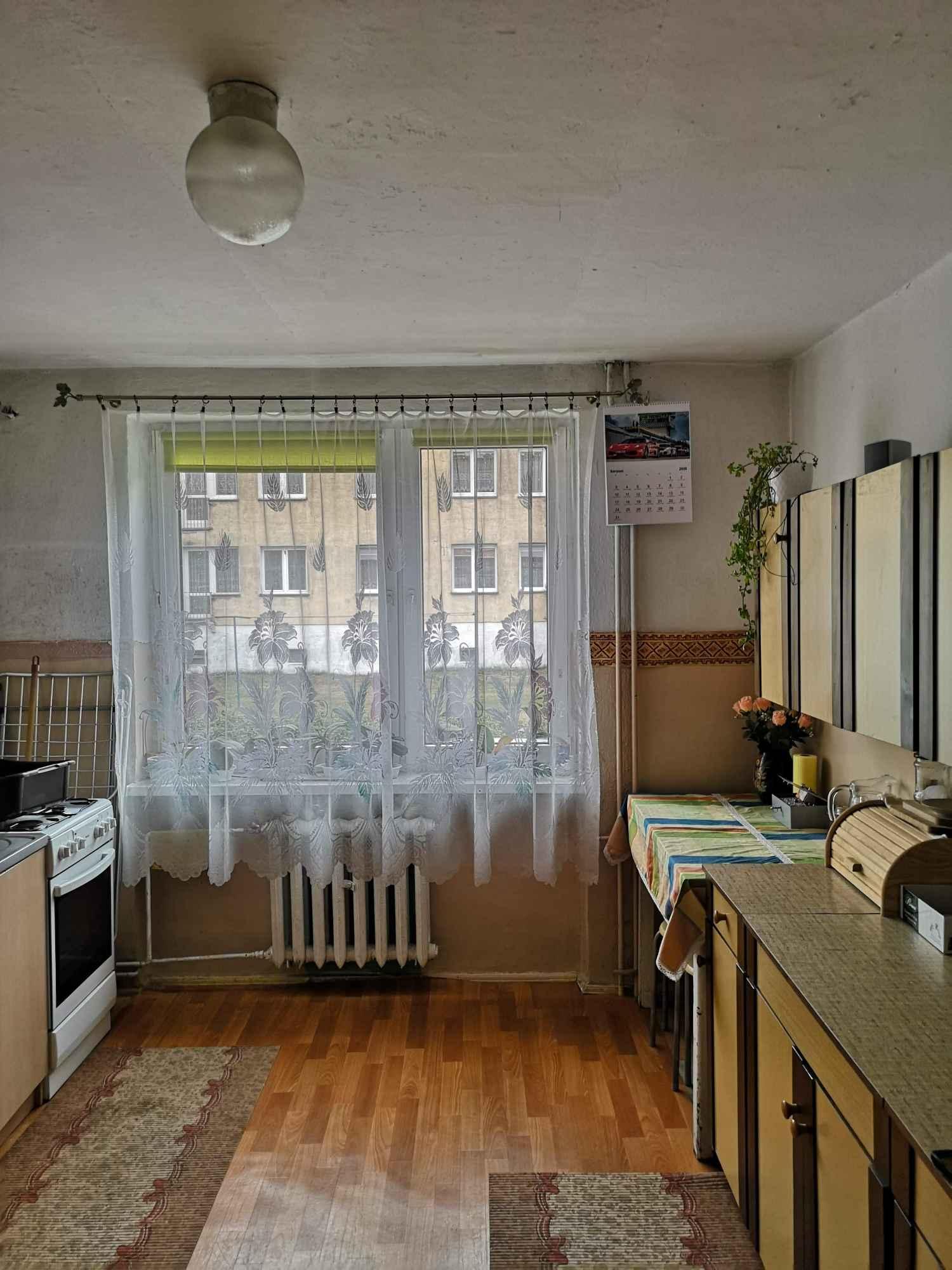 Mieszkanie z budynkiem gospodarczym i ogrodem Biały Bór - zdjęcie 4