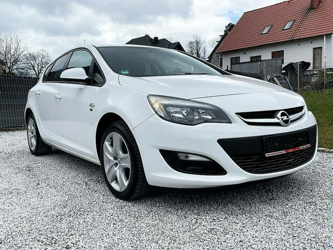 Opel Astra 1.6 Benz. 116KM z Niemiec, Biała, Lift 2013! Strzegom - zdjęcie 4