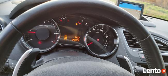 Peugeot 5008 1,6 e-HDI 112KM 2013r zarejestrowany Skarżysko-Kamienna - zdjęcie 8