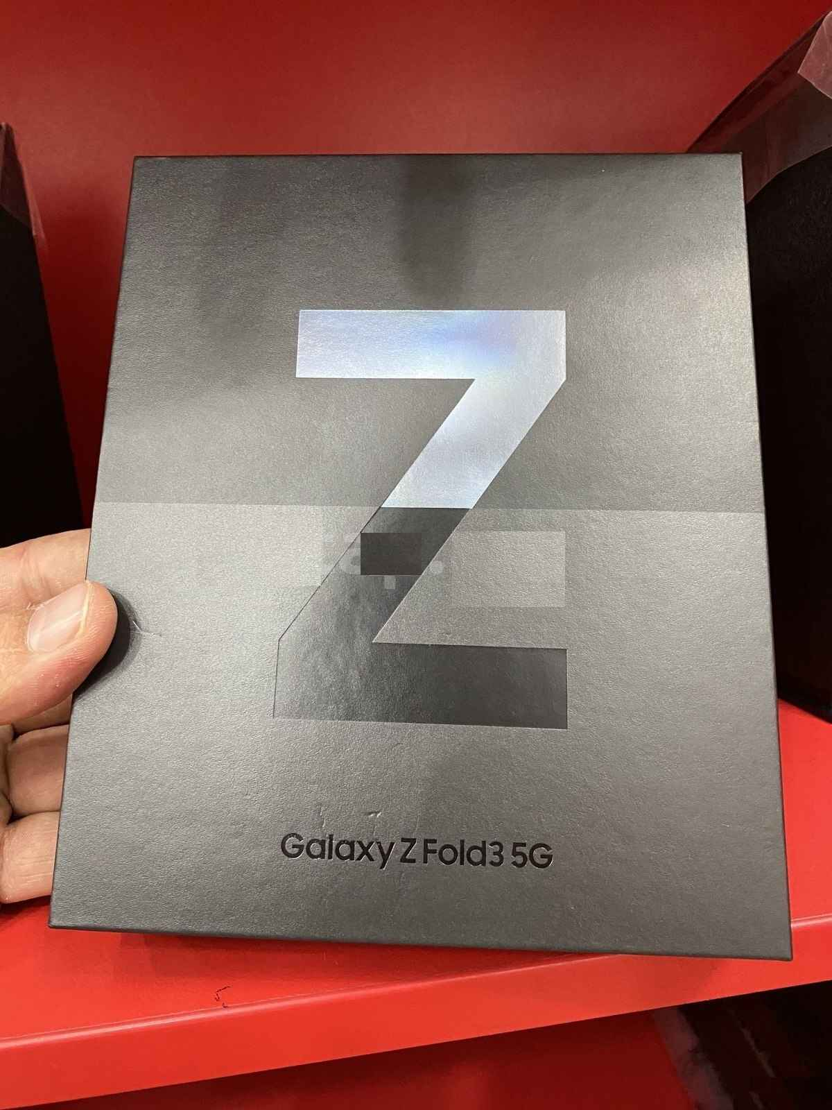 Samsung Z Flip3 5G, Samsung Z Fold3 5G, iPhone 13 Pro Max, iPhone 13 Stare Miasto - zdjęcie 1