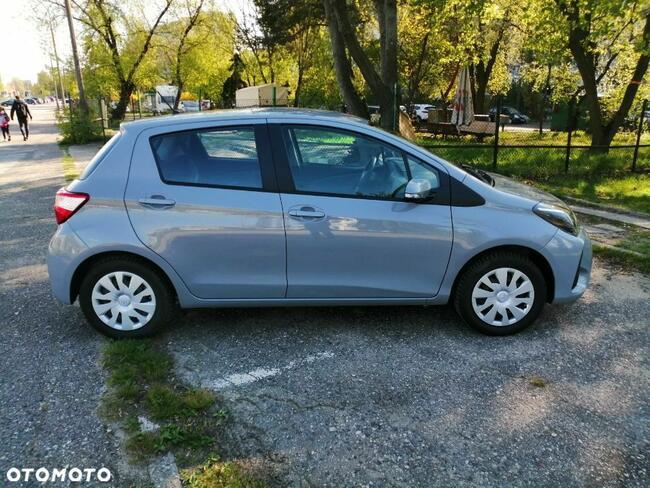 Toyota Yaris 1.0 Warszawa - zdjęcie 11