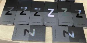 Samsung Z Flip3 5G, Samsung Z Fold3 5G, iPhone 13 Pro Max, iPhone 13 Stare Miasto - zdjęcie 2