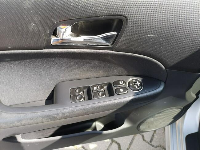 Hyundai i30 Brodnica - zdjęcie 9