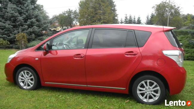 Toyota VERSO, 7-osobowa, 2011r Sanok - zdjęcie 1
