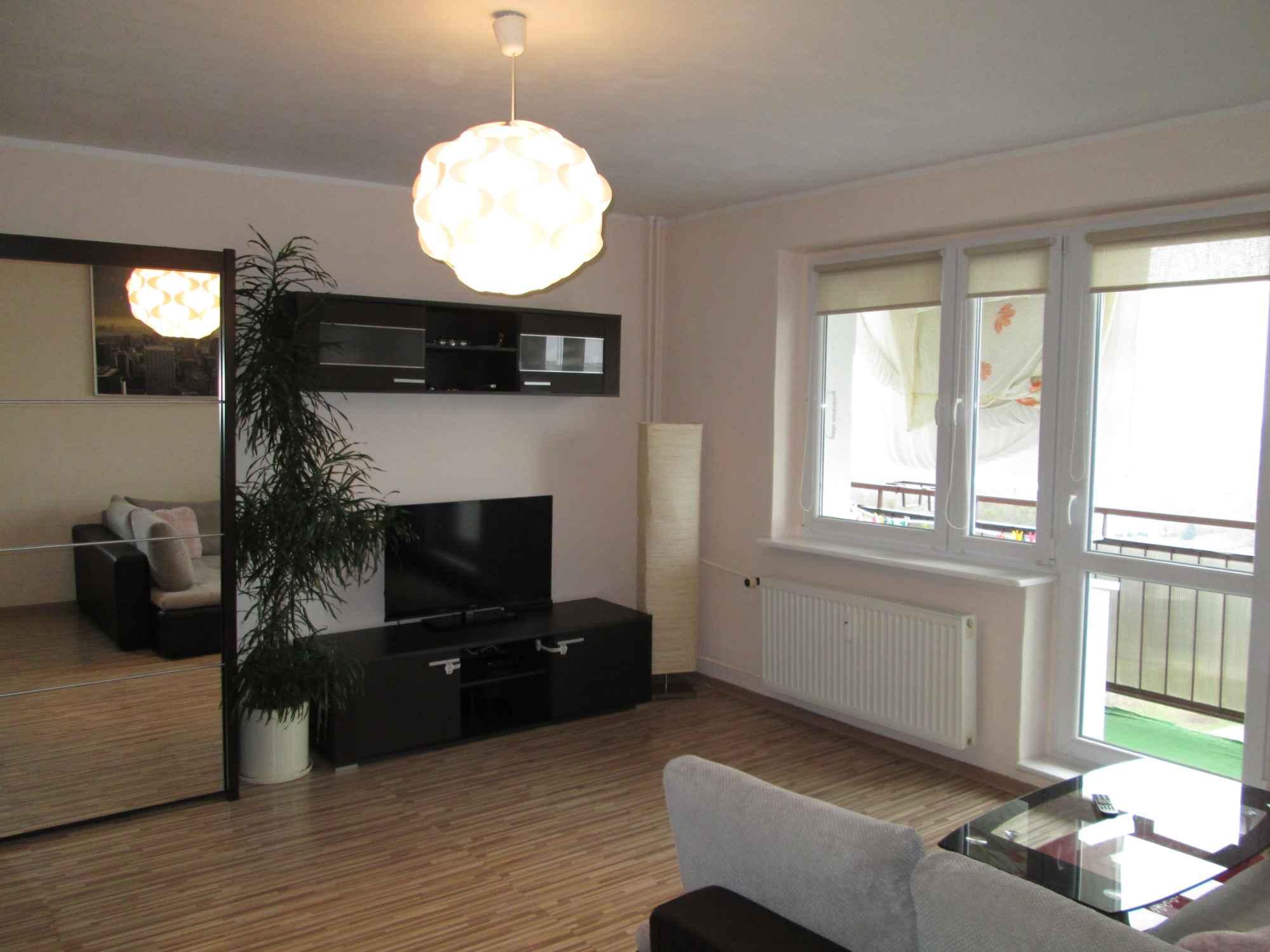 Sprzedam umeblowane mieszkanie 49m2 na osiedlu Sobieskiego w Poznaniu. Nowe Miasto - zdjęcie 1