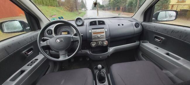 Daihatsu Sirion 1,3b 87KM 2007r 149250km klimatyzacja Skarżysko-Kamienna - zdjęcie 7