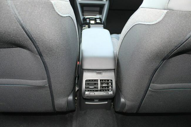 Citroen C4 130 EAT8 Feel Pack ADML Grzane fotele Piotrków Trybunalski - zdjęcie 12