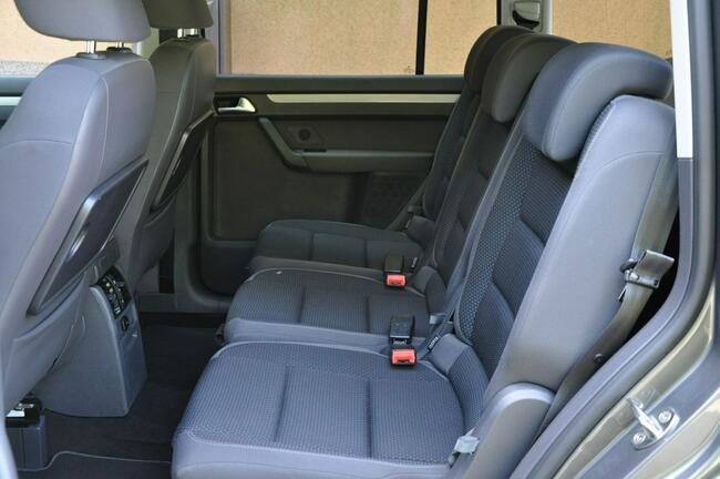 Volkswagen Touran 1,6TDI Nawi  Alum Gwarancja Zabrze - zdjęcie 11