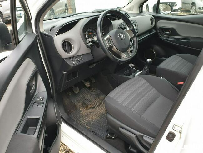 Toyota Yaris 1.0 Active EU6 69KM Salon PL Piaseczno - zdjęcie 9