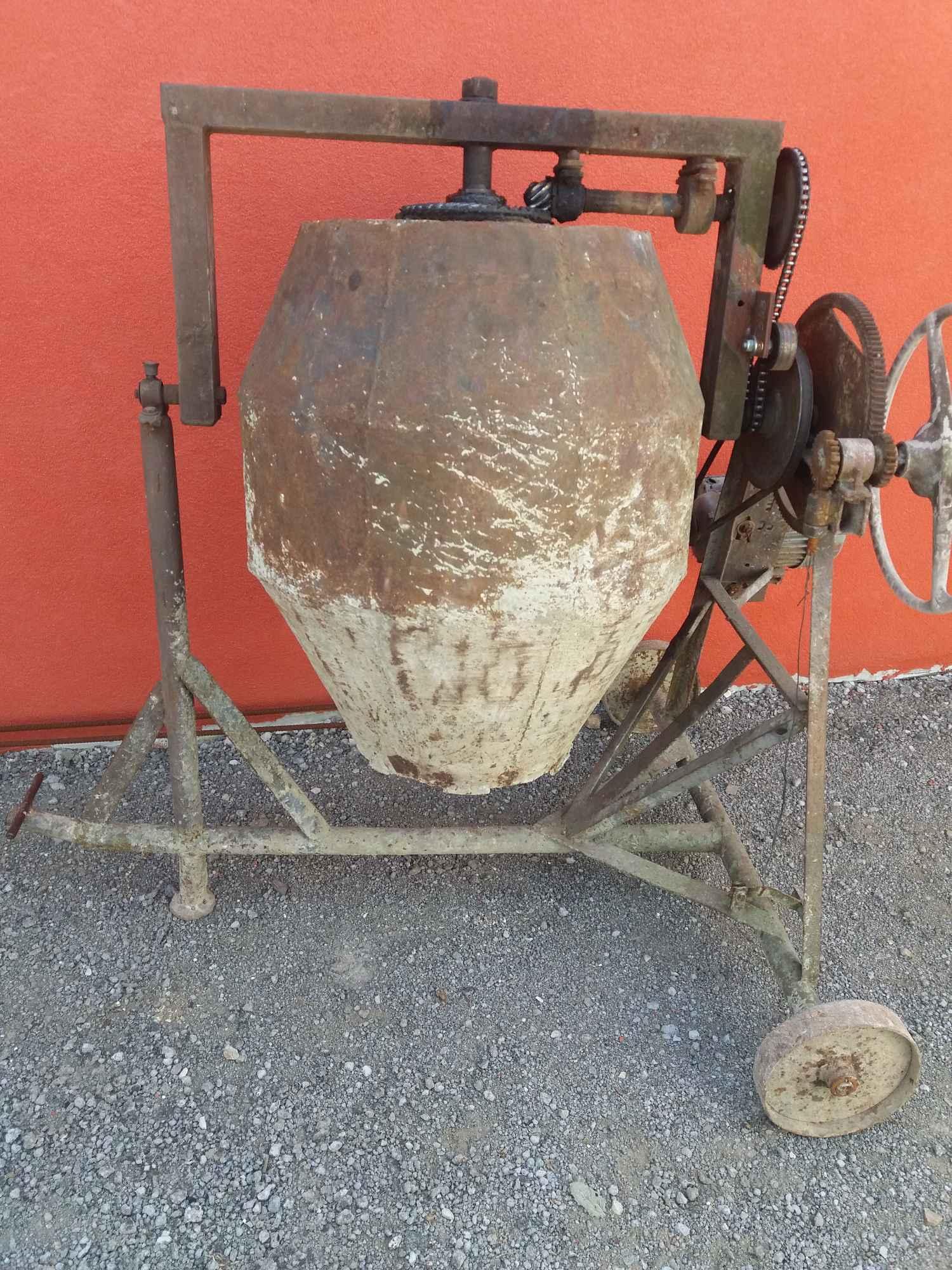 Betoniarka 150 L z silnikiem. Ostrowiec Świętokrzyski - zdjęcie 1