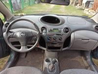 Toyota Yaris 1.3 2000r 3D Legionowo - zdjęcie 5