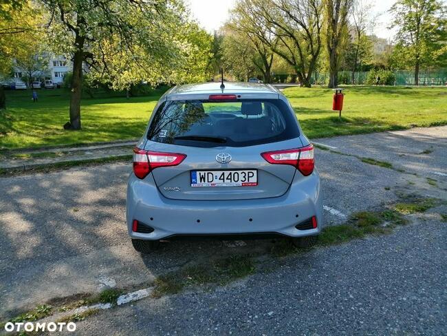 Toyota Yaris 1.0 Warszawa - zdjęcie 10