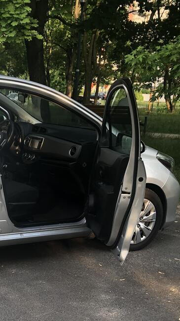 Sprzedam Toyota Yaris 2013 Bemowo - zdjęcie 3