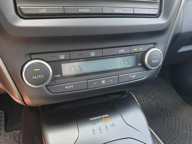 Toyota Avensis 2.0 D-4D Active Business Kombi WW184XM Piaseczno - zdjęcie 9