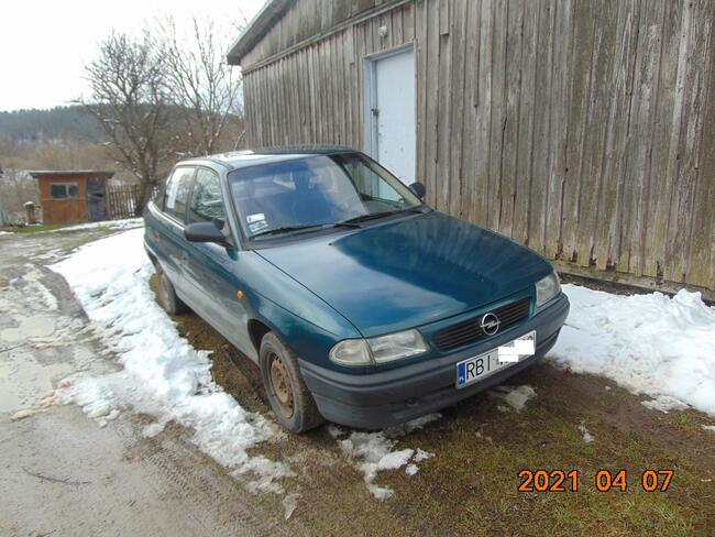 Sprzedam auto OPEL ASTRA 1,4 Serednica - zdjęcie 1
