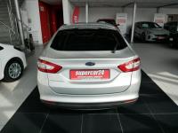 Ford Mondeo 2,0 / 150 KM / Ford Sync 3 / LED / Climatronic / Tempomat Długołęka - zdjęcie 12