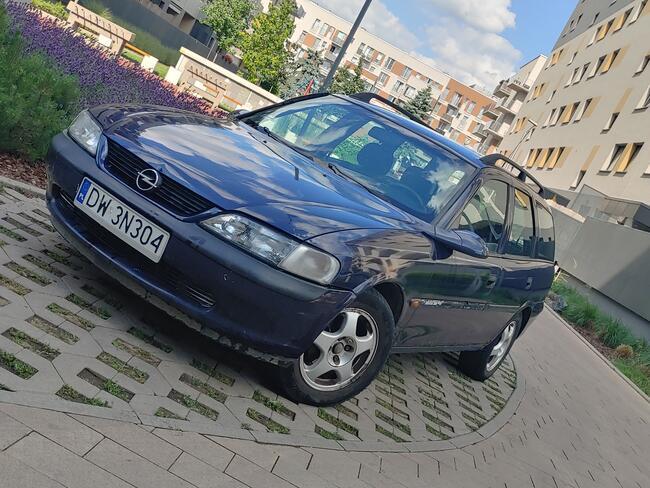 Opel Vectra B 1.6 benz // Klima // Alu // NOWY PRZEGLĄD Psie Pole - zdjęcie 1
