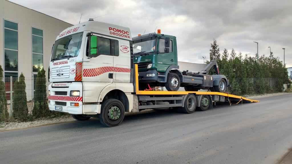 Holowanie tirów, laweta dla samochodów ciężarowych Poznań Jeżyce - zdjęcie 1