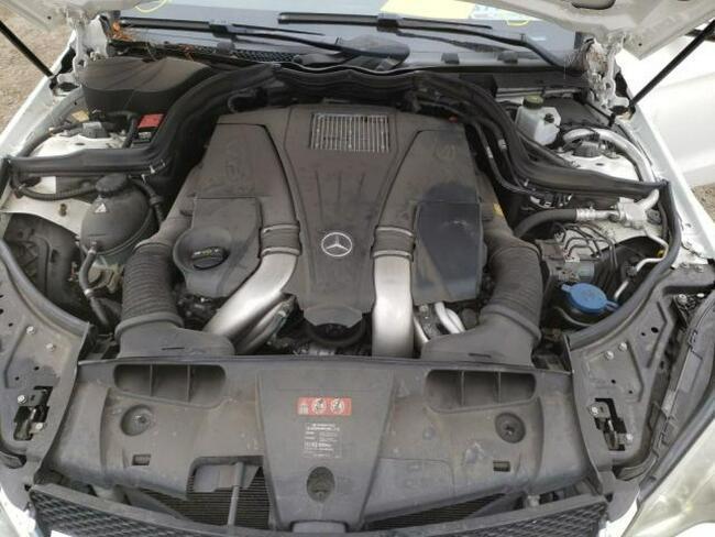 Mercedes E 55 2014, 4.6L, porysowany lakier Warszawa - zdjęcie 9