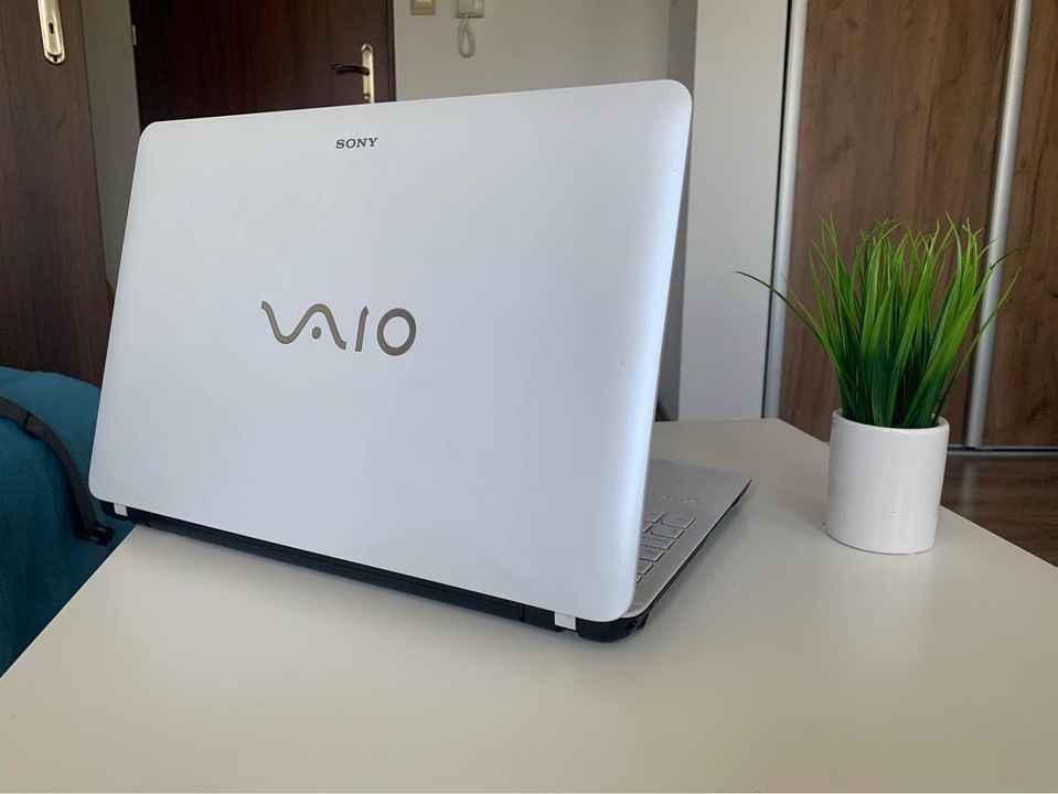 Elegancki Laptop Sony Vaio Żywiec - zdjęcie 2