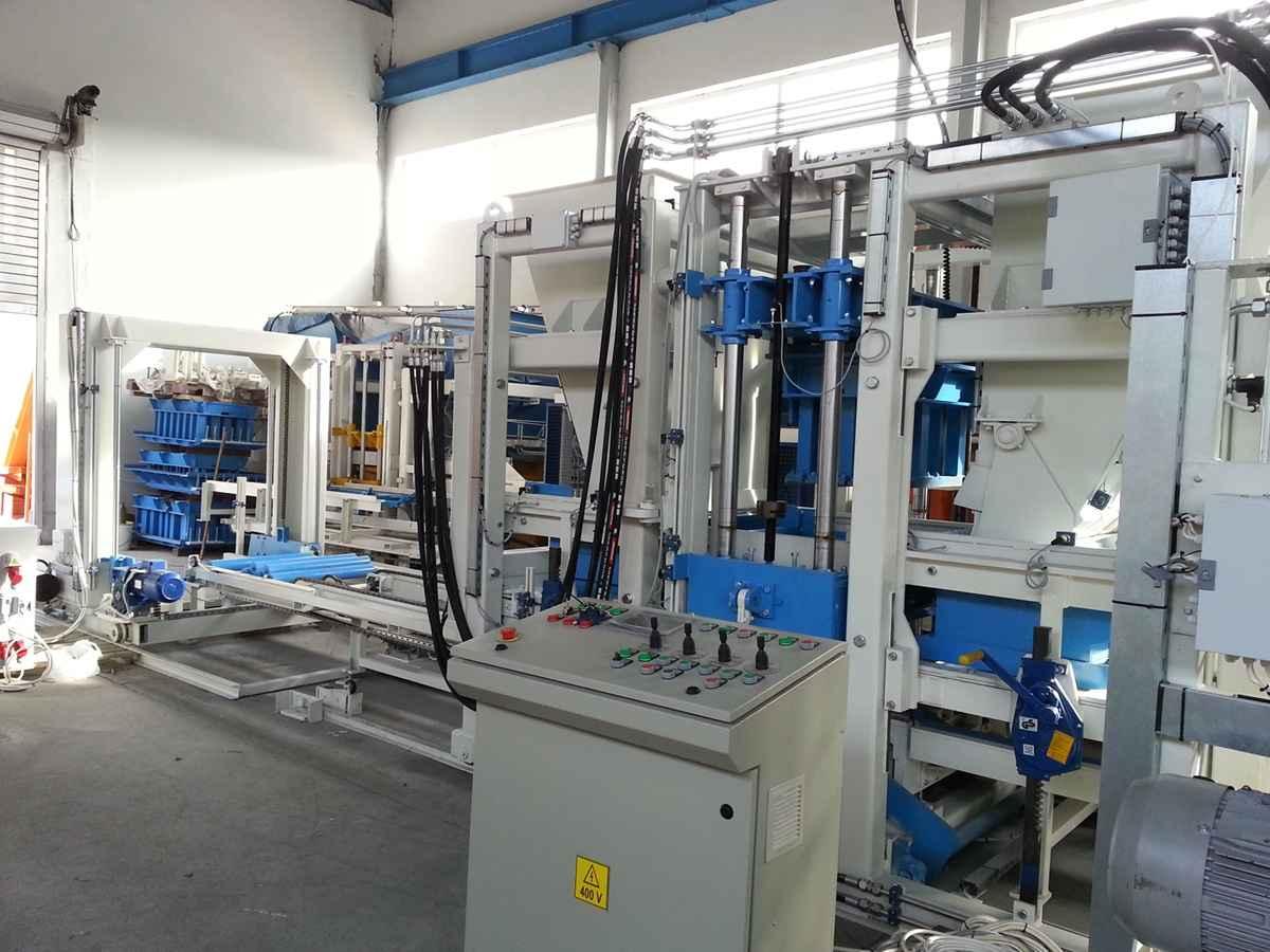 NEW GENERATION BLOCK MAKING MACHINE SUMAB R-400 Bemowo - zdjęcie 2