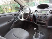 Toyota Yaris 1.3 2000r 3D Legionowo - zdjęcie 6