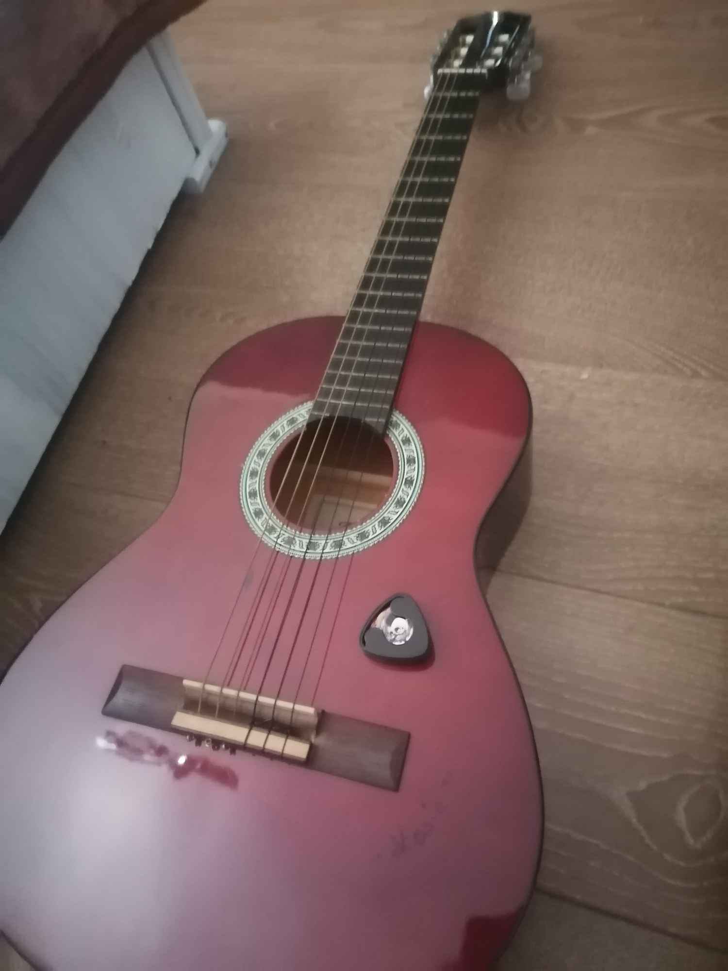 Sprzedam gitarę + dodatki Jędrzejów - zdjęcie 1