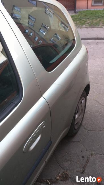 Toyota Yaris 2002 Łódź - zdjęcie 5