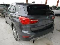 BMW X1 2017. 2.0L, 4x4, porysowany lakier Warszawa - zdjęcie 3
