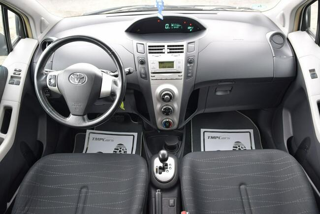 Toyota Yaris 1.3 Benzyna _ Automat _Serwisowana do końca_ Grudziądz - zdjęcie 5
