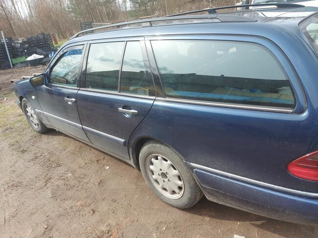 Mercedes-Benz Klasa E 1998 Psie Pole - zdjęcie 7