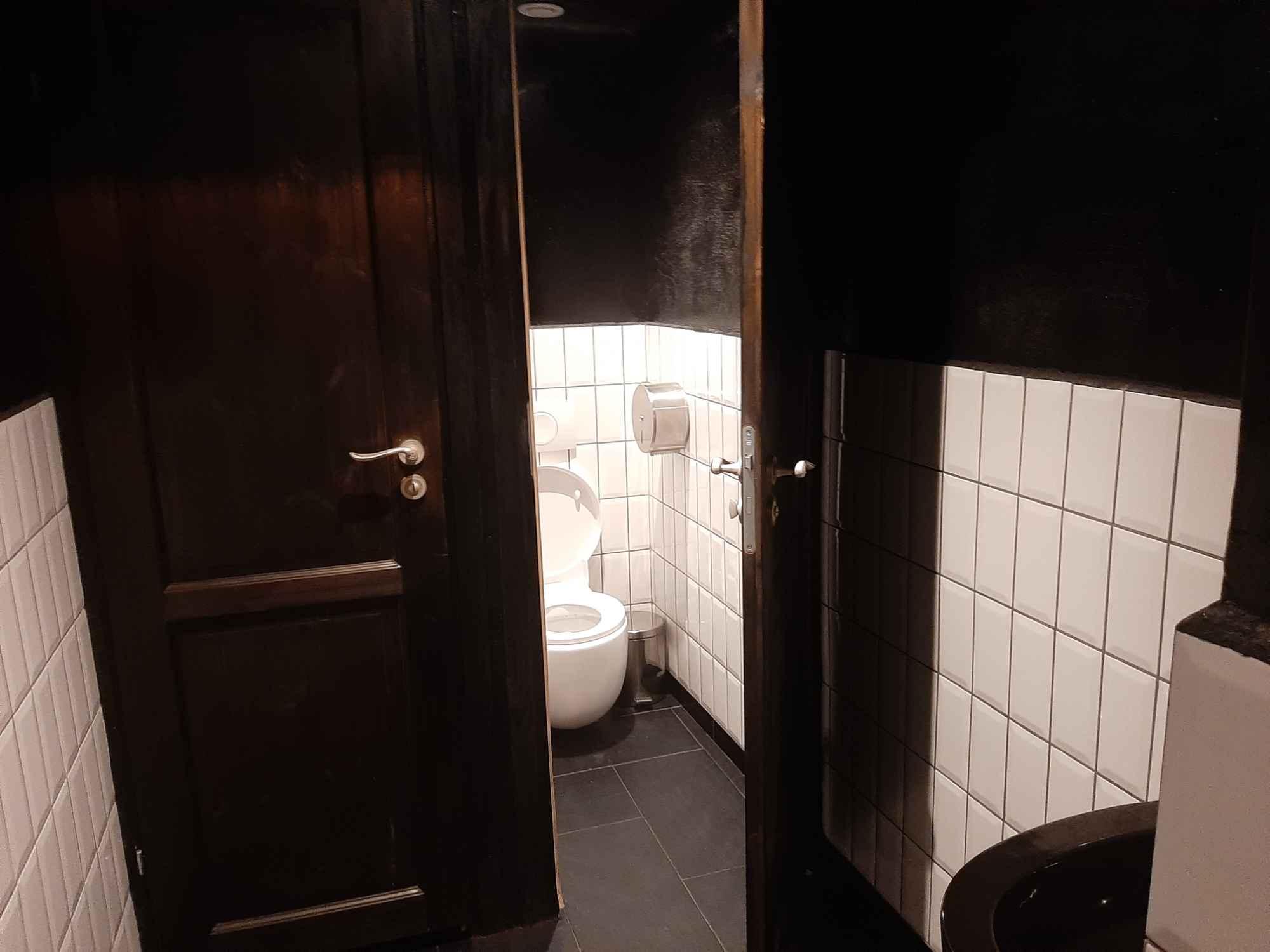 Odstąpię/Sprzedam restaurację 500 m2 - Centrum Warszawy Śródmieście - zdjęcie 4
